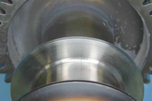 aaFigure 17. Forward thrust flange, presenting in sound condition
