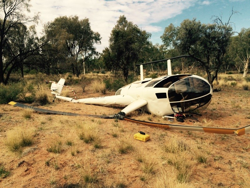 HeliHub.com 14-Jul-15 VH-VOH Robinson R44 Alice Springs, Australia on enstrom helicopter, ocean water from helicopter, robinson helicopter, r66 helicopter, historical helicopter, world's largest russian helicopter, kiro helicopter, r12 helicopter, woman jumping from helicopter, bell helicopter,