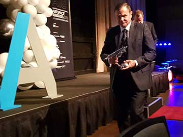 ATSB Chief Commissioner Greg Hood recognised for his significant contribution to Australian aviation with a prestigious award from Aviation/Aerospace Australia (A/AA)
