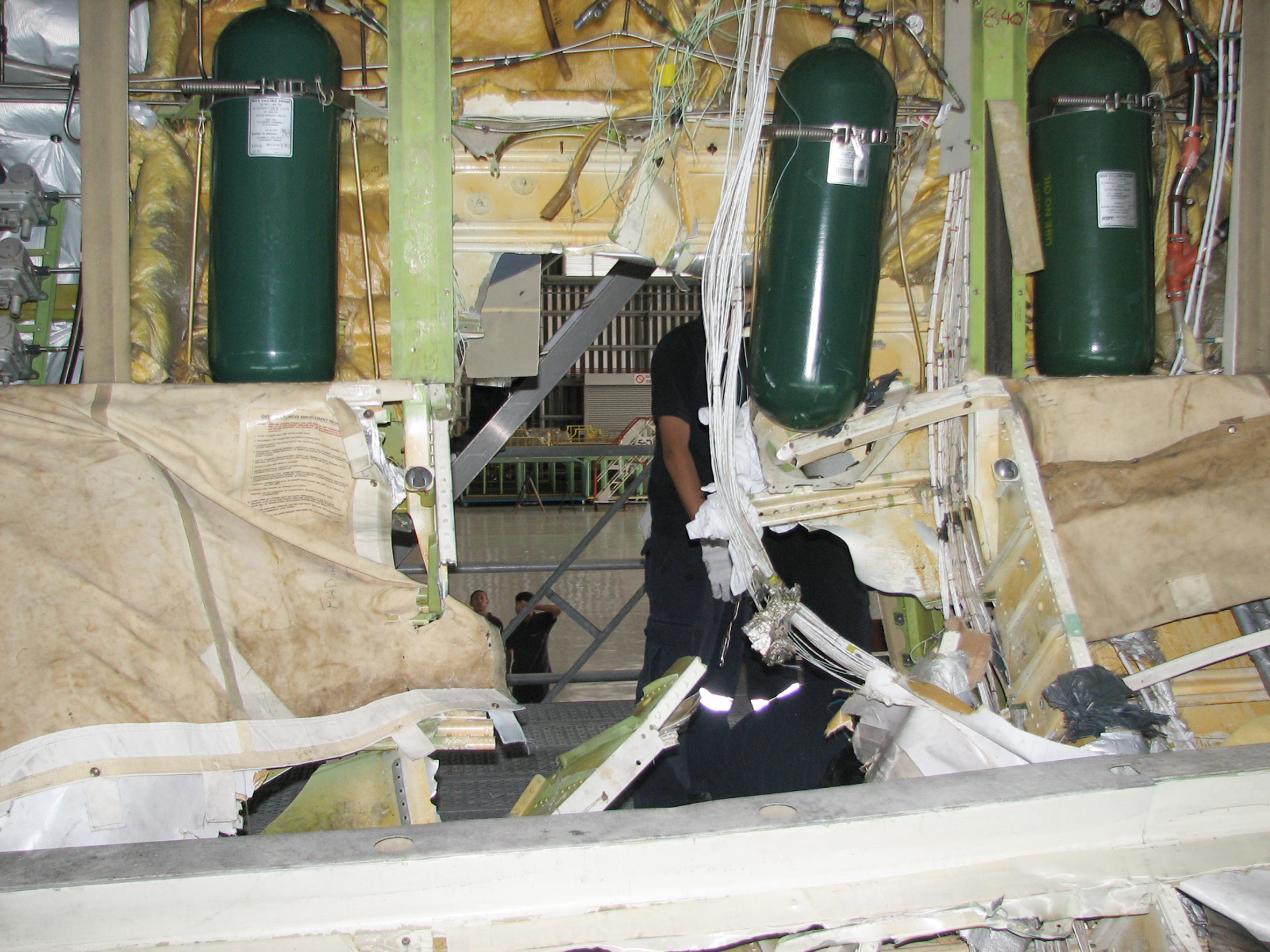 Investigation Ao 2008 053 Oxygen Cylinder Failure And