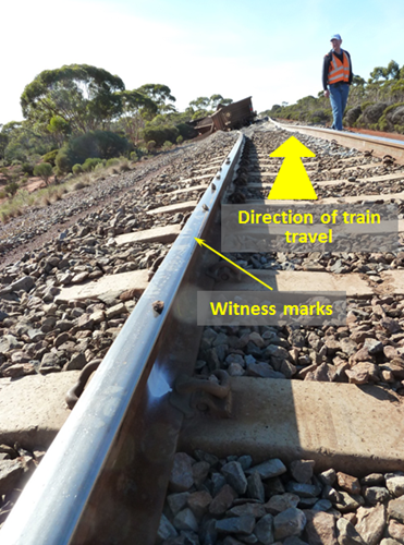 Figure 5: Witness marks at PoD (600.729 km) shown by line of stones on rail head