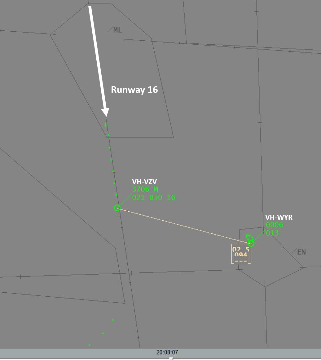 Figure 4: Air traffic control surveillance image at 0708:07, showing VH-VZV 2.5 NM (4.6 km) from and 800 ft above VH-WYR at Essendon Airport