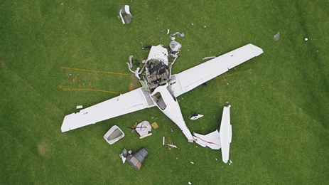 Figure 1: VH-MPM after the accident showing the distribution of the wreckage.