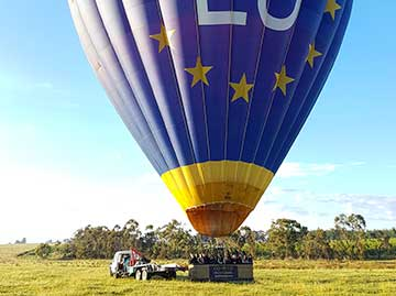 Hot-air balloon, VH-EUA, predeparture