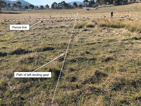 Figure 1: Aircraft path across paddock. Source: Copyright owner annotated by ATSB